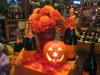 HALLOWEEN WINE SHOP WINDOW